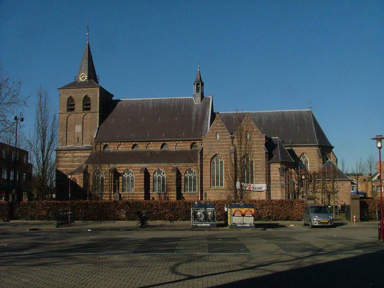 1280px-Sint-Lambertuskerk_Rosmalen_2008